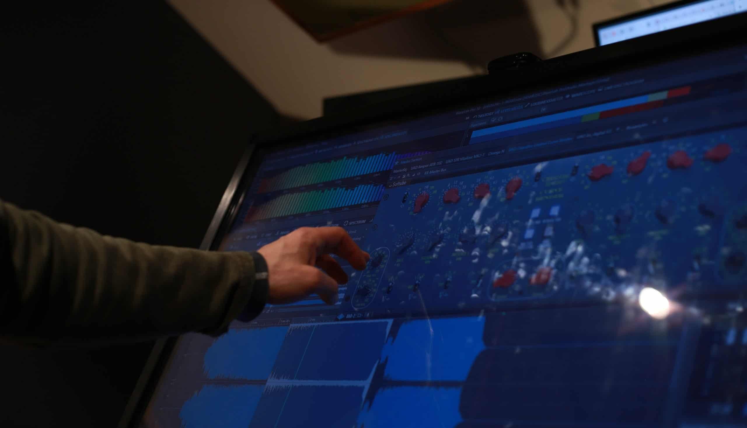 IMG 8037crop scaled 1 - Stellar Sound Labs Music Mastering