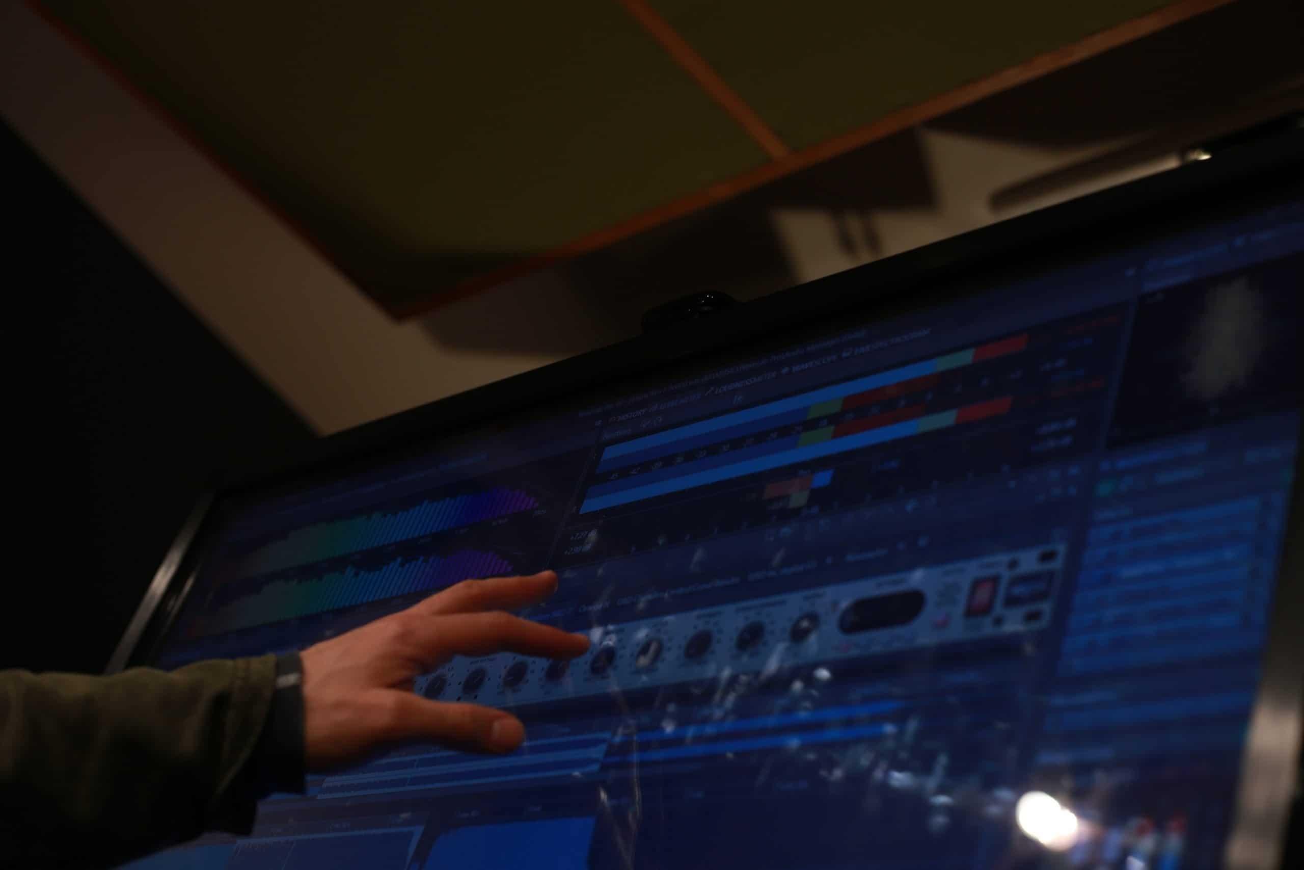 IMG 8024 scaled 1 - Stellar Sound Labs Custom Mastering
