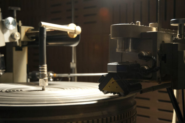 Neumann Cutting Machine 02 600x400 - A Guide to Mastering Your Own Music